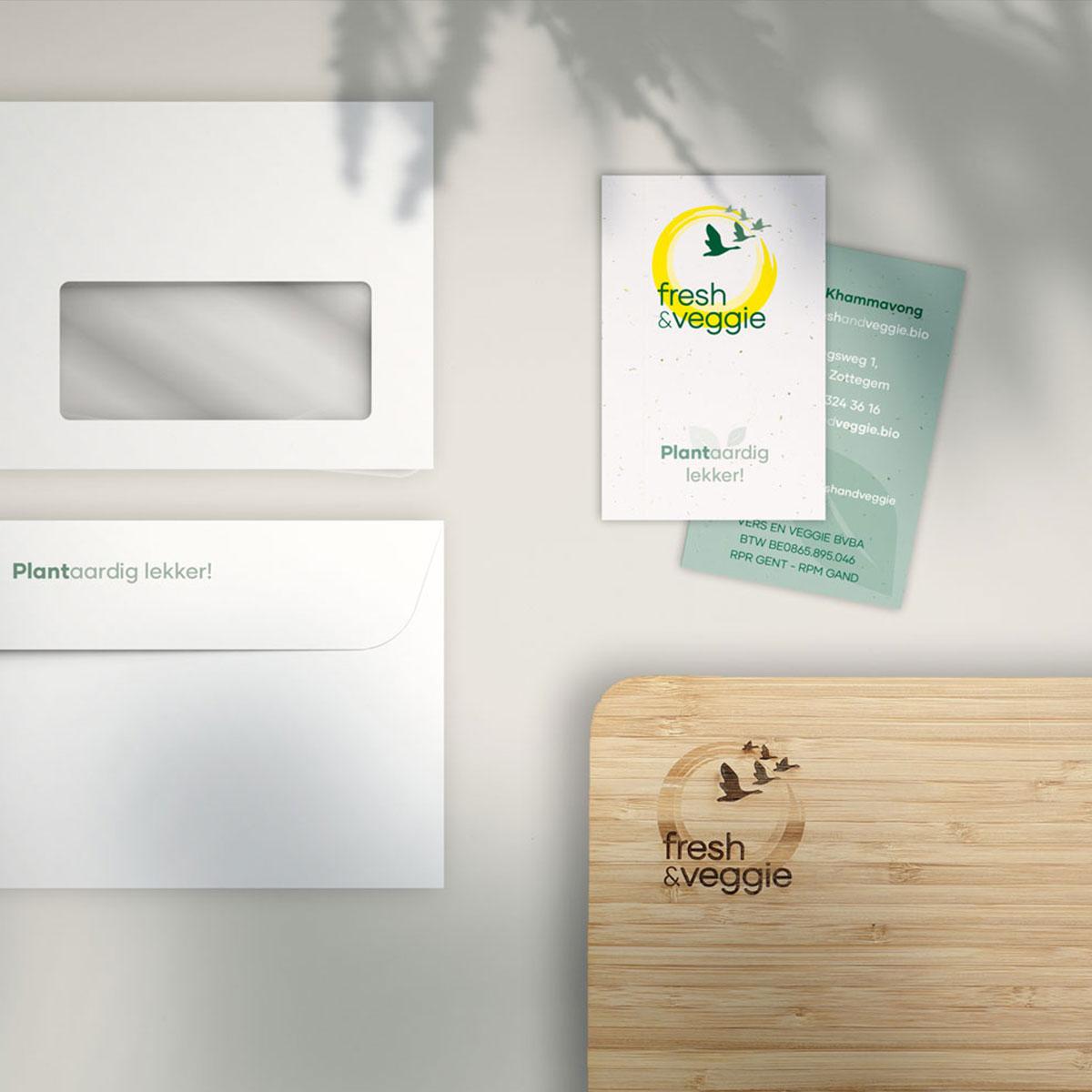 visitekaartje en enveloppe